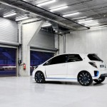toyota-yaris-hybrid-r-koncept-2013-4