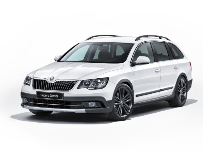 skoda-superb-combi-outdoor-2014-1